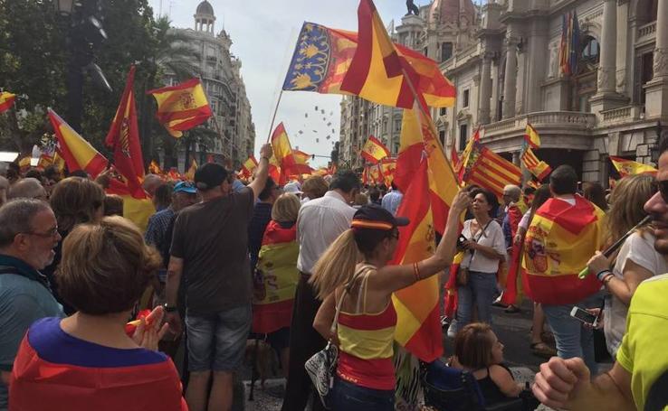 Fotos de la manifestación de apoyo a la unidad de España en Valencia