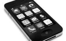 Bulos y verdades sobre cómo resucitar un móvil mojado
