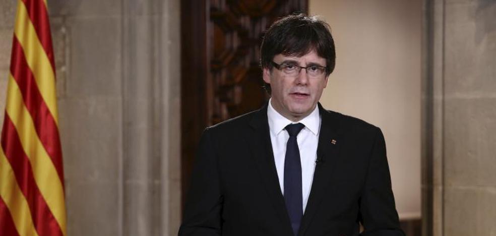 Puigdemont solicita mediación sin abandonar sus planes
