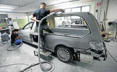 Una empresa de Ontinyent trasforma lujosos Maserati en coches fúnebres
