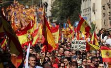 Cientos de miles de personas rechazan en Barcelona el desafío independentista