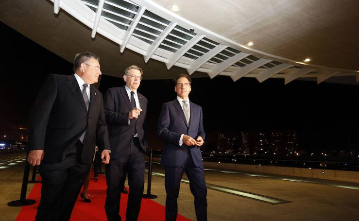 Fotos del mundo de la política, cap i casal y comarcas, fieles a la entrega de premios