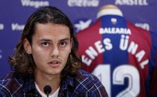 Levante UD | Muñiz convoca a Enes Unal y deja fuera de la lista a Álex Alegría