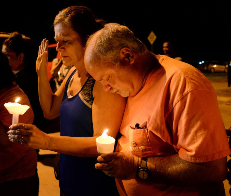 Fotos de las muestras de dolor tras el tiroteo en Texas