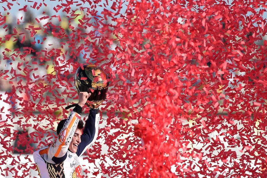 Fotos de la carrera y victoria de MotoGP en el Gran Premio de la Comunitat Valenciana