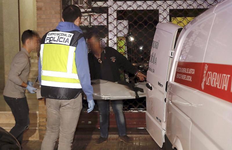 Fotos del terrible asesinato de una niña de dos años en Alzira a manos de su padre