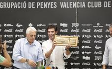 El Valencia ataja el 'lobby' de las peñas