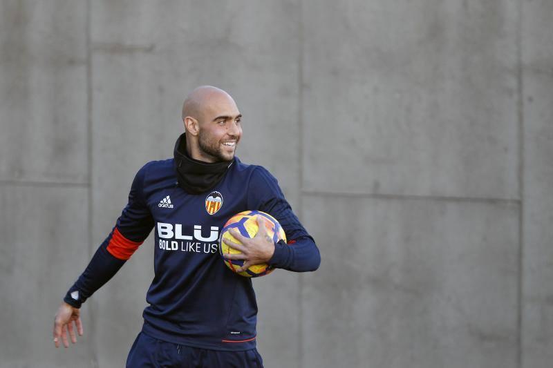 Fotos del entrenamiento del Valencia CF en Paterna del jueves 16 de noviembre