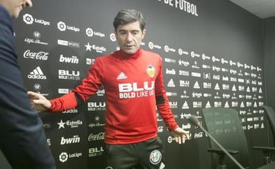 Marcelino se lleva cuatro centrales a Cornellà