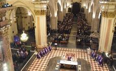La Catedral de Valencia se llena en el funeral por Rita Barberá