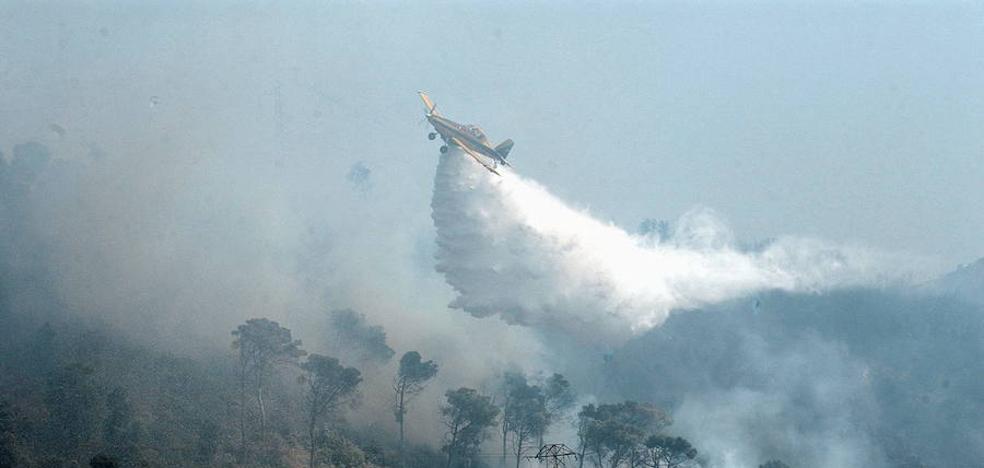 Air Nostrum reclama cambiar las bases del concurso de extinción de incendios del Consell
