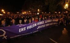 Miles de valencianos se manifiestan contra la violencia machista