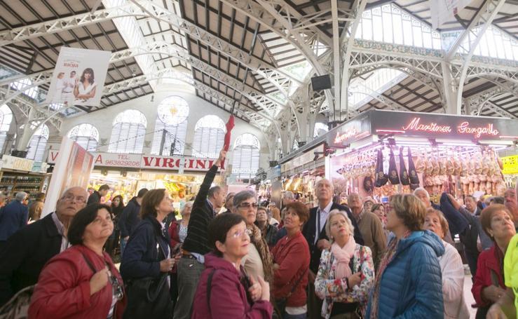 Fotos de turistas en el Mercado Central de Valencia