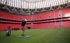 Jon Rahm, en la inauguración de San Mamés como anfitrión del rugby europeo