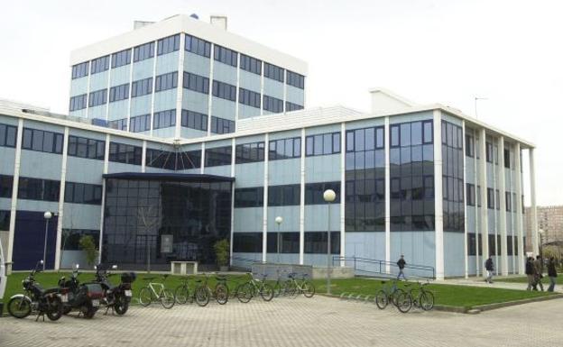 Edificios de laboratorios de investigación en la UPV.