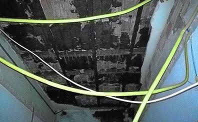 La caída de un techo obliga a trasladar aulas de un colegio público en Valencia