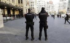La policía reforzará en Nochevieja el vallado de la plaza del Ayuntamiento y patrullará con armas largas