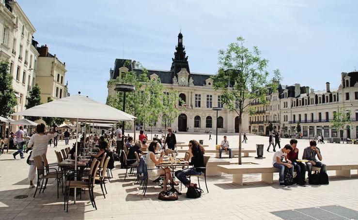 Otros ejemplos de plazas de ayuntamientos