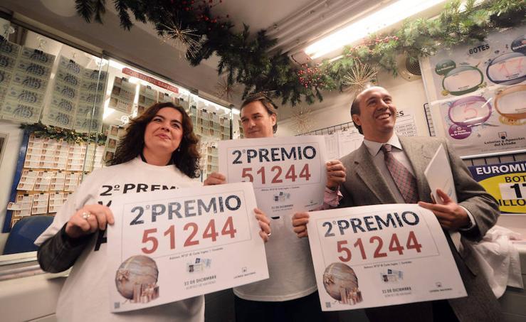 Fotos de la celebración del segundo premio de la Lotería de Navidad 2017 en la Comunitat