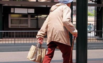 Detenido un padre por utilizar a su hijo menor para robar bolsos por el procedimiento del tirón