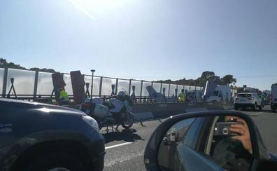 Los accesos de Valencia se colapsan por una cadena de accidentes