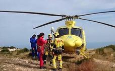 Rescatan en helicóptero a una senderista holandesa en el Cap de Sant Antoni