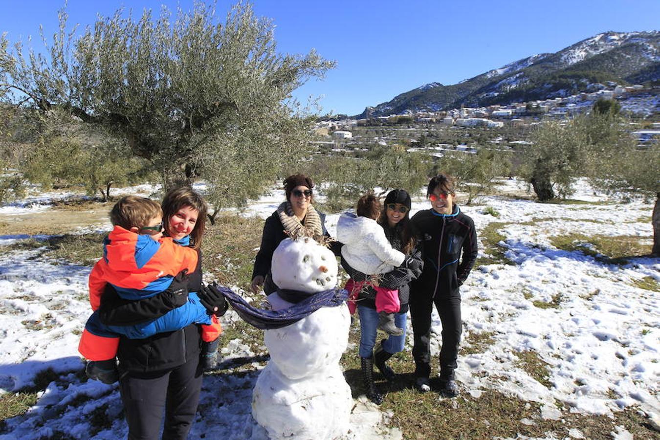 Fotos de nieve en la provincia de Alicante y de Valencia