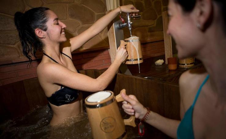 Fotos del primer Spa de cerveza de España