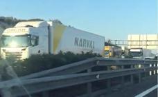 El by-pass de nuevo colapsado por un accidente: 11 kilómetros de cola desde Godella