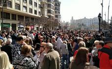 El primer llenazo de las Fallas 2018 en la plaza del Ayuntamiento