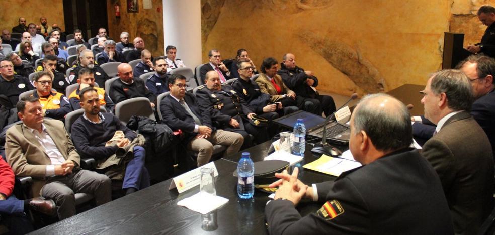 Interior recluta a vigilantes de seguridad para combatir el yihadismo
