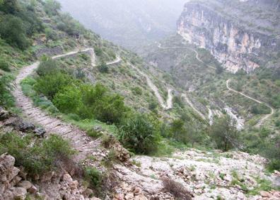 La ruta de los 6 000 escalones: del barranco del Infierno al