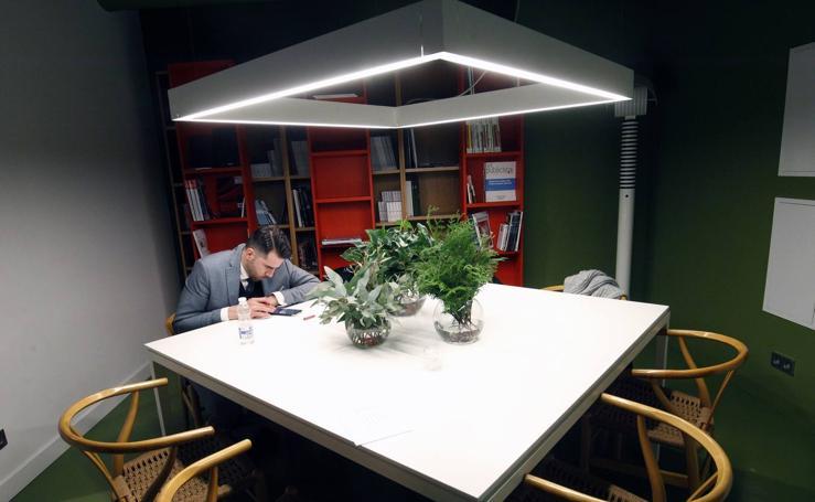 Fotos de la inauguración de la sede del Colegio de diseñadores de interior y el de publicistas