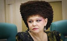 Los hilarantes memes del peculiar peinado de la senadora rusa Valentina Petrenko