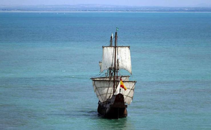 El galeón Andalucía llega a Valencia