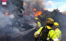El incendio de Montán quema 40 hectáreas de monte bajo