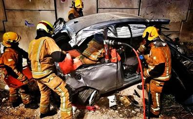Dos heridos graves en un accidente de tráfico en la A-7 en el Campello