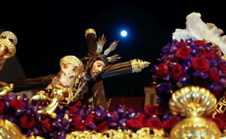 Todas las imágenes de la Madrugà de la Semana Santa de Sevilla 2018