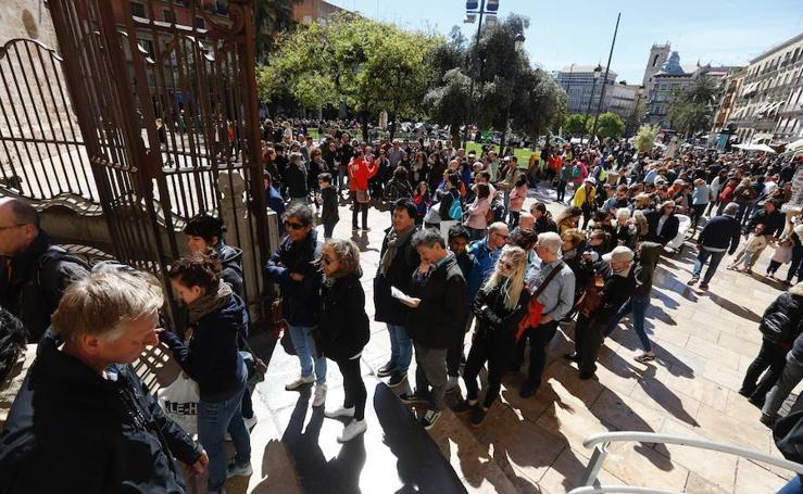 Valencia se llena de turistas en Semana Santa