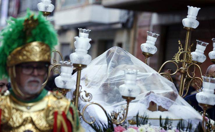Traslado del Cristo yacente de la Hermandad del Santo Sepulcro de la Semana Santa Marinera