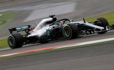 Mercedes se mantiene en un segundo plano