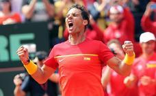 Nadal arrolla a Zverev y deja la eliminatoria en manos de Ferrer
