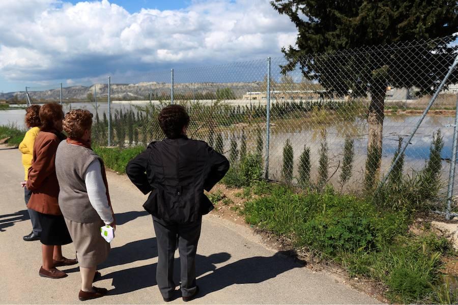 El Ebro crece con angustia
