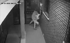 Detenido el hombre que agredió de forma salvaje a una mujer para robarle el bolso en el portal de su vivienda