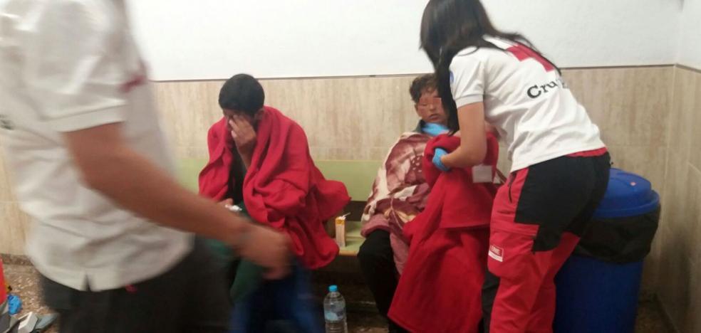 La llegada de pateras llena de menores extranjeros los centros de acogida de la Comunitat