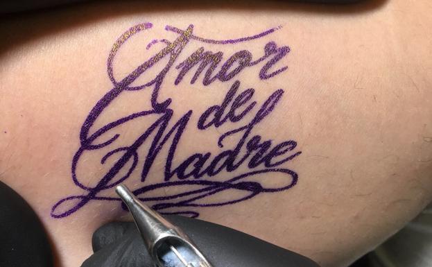 Día De La Madre Amor De Madre Se Tatúa En Valencia Las Provincias
