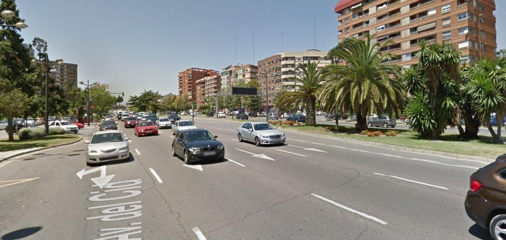Una motorista resulta herida en un accidente en la avenida del Cid