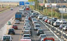 Las carreteras valencianas registran ya siete kilómetros de atasco