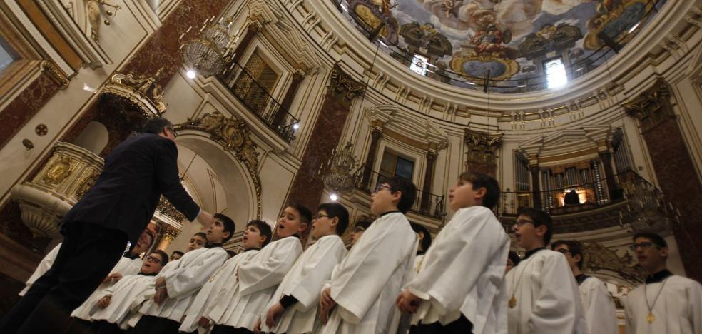 Canciones dedicadas a la Virgen desde hace 60 años