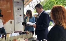 ¿Qué libros compró Ximo Puig en la Fira del Llibre de Valencia?